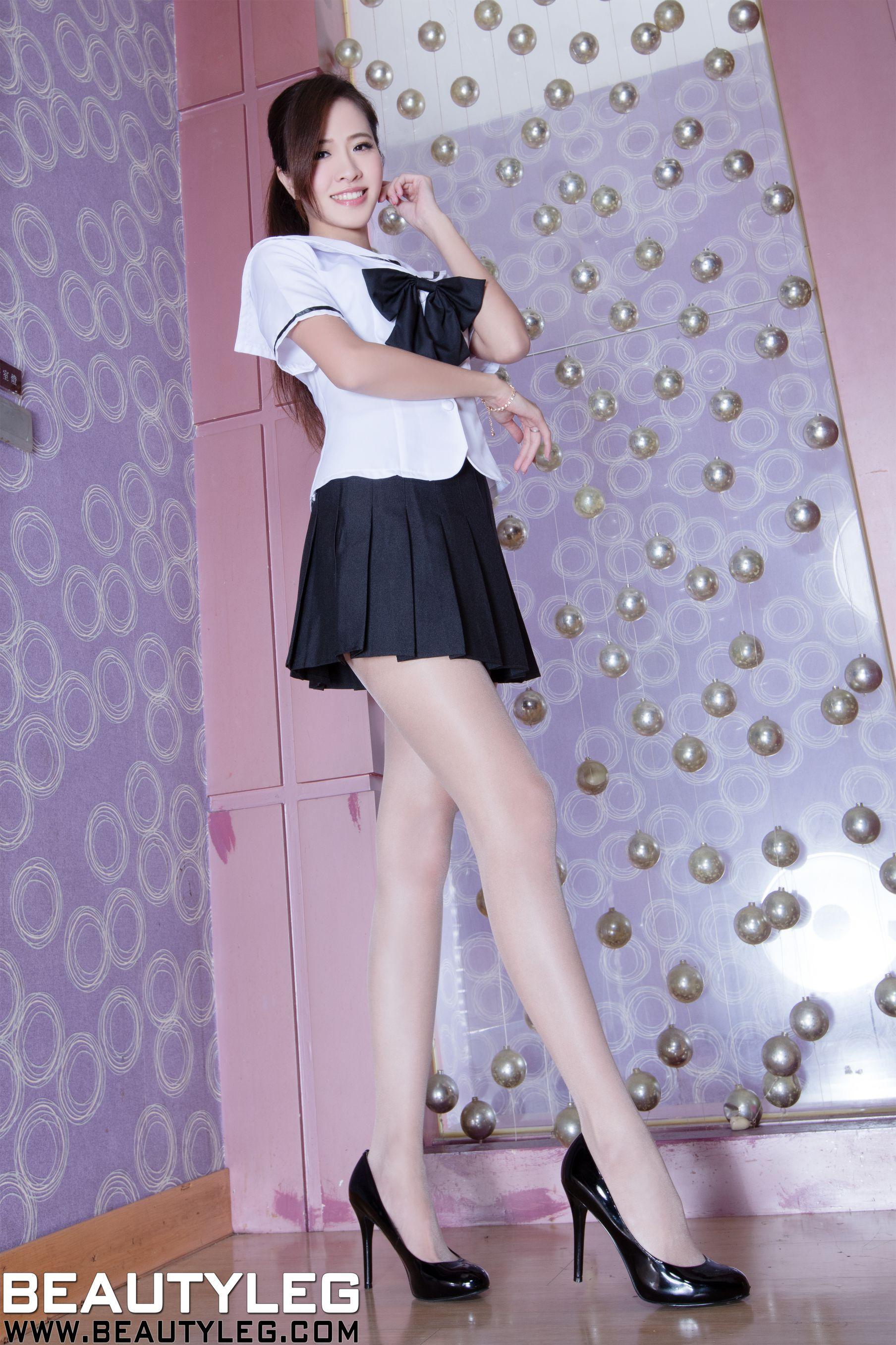 VOL.300 [Beautyleg]校服美腿:张欣慈(腿模Olivia)高品质写真套图(43P)