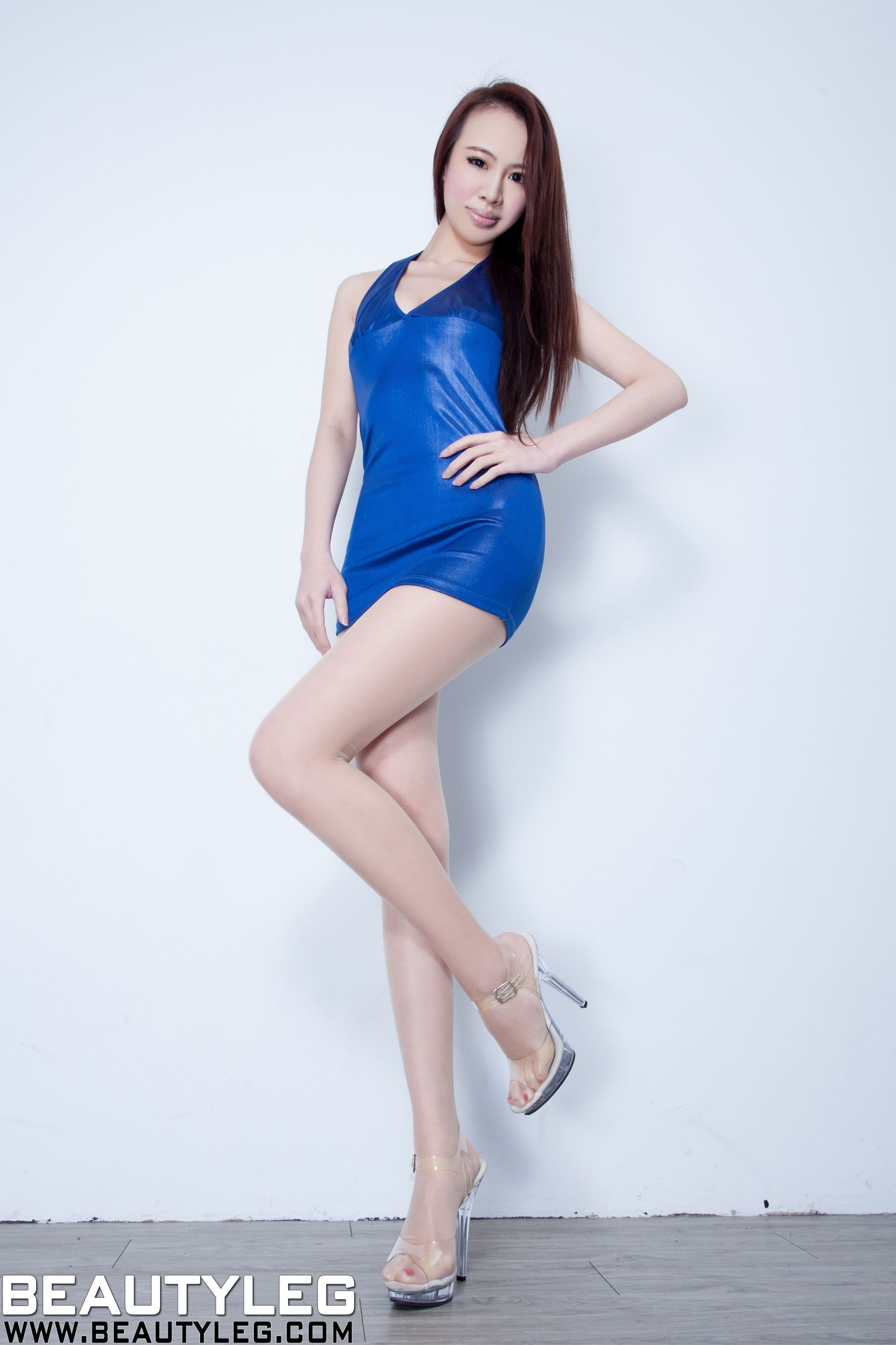 VOL.589 [Beautyleg]美腿吊带丝袜高跟凉鞋:腿模Cindy(Cindy)高品质写真套图(43P)