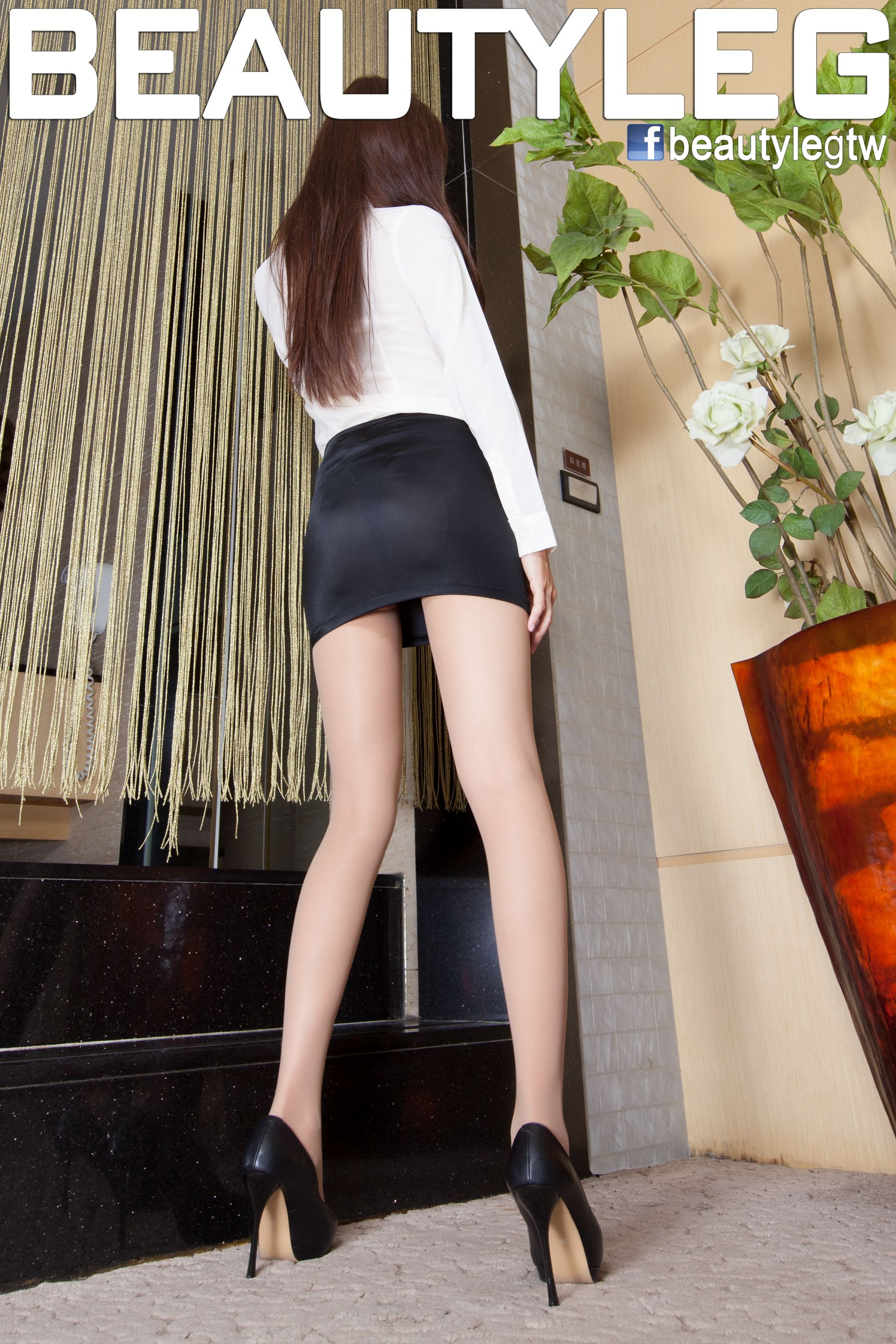 VOL.1920 [Beautyleg]制服美腿:腿模Sabrina高品质写真套图(50P)