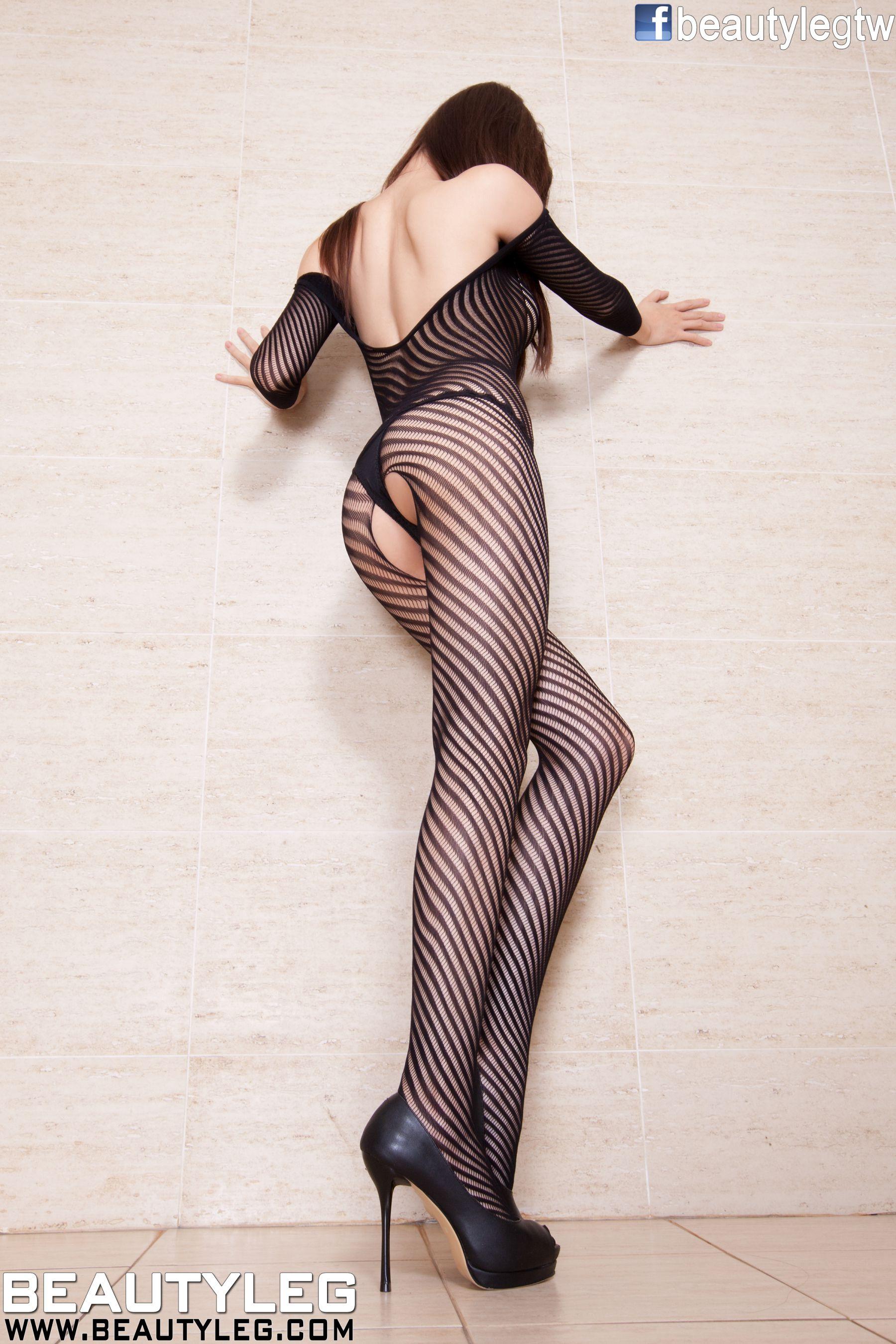 VOL.911 [Beautyleg]丁字裤丝袜美腿高跟情趣丝袜网衣:腿模Sabrina高品质写真套图(50P)