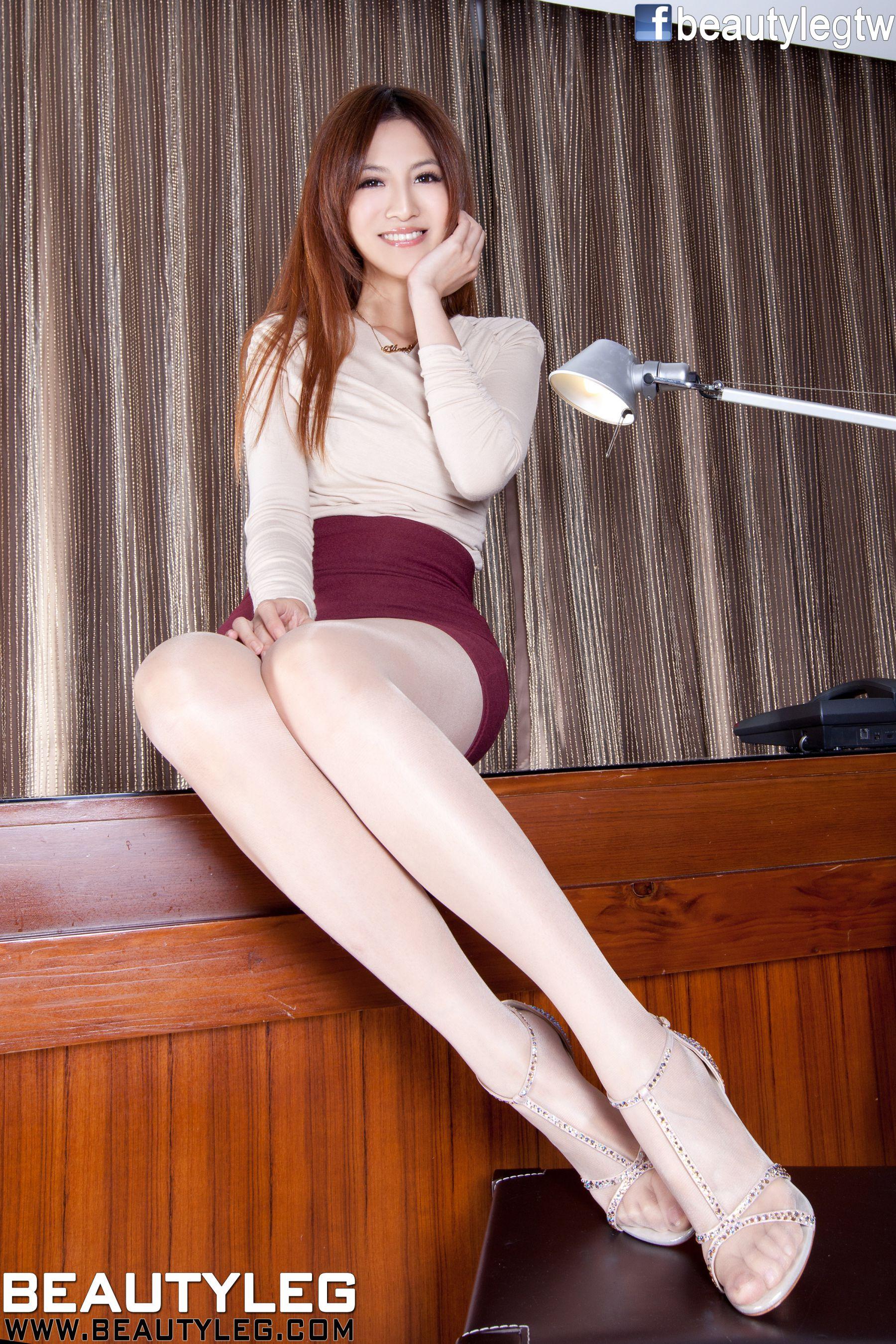 VOL.1909 [Beautyleg]美腿:简晓育(腿模Vicni,晓育儿)高品质写真套图(93P)