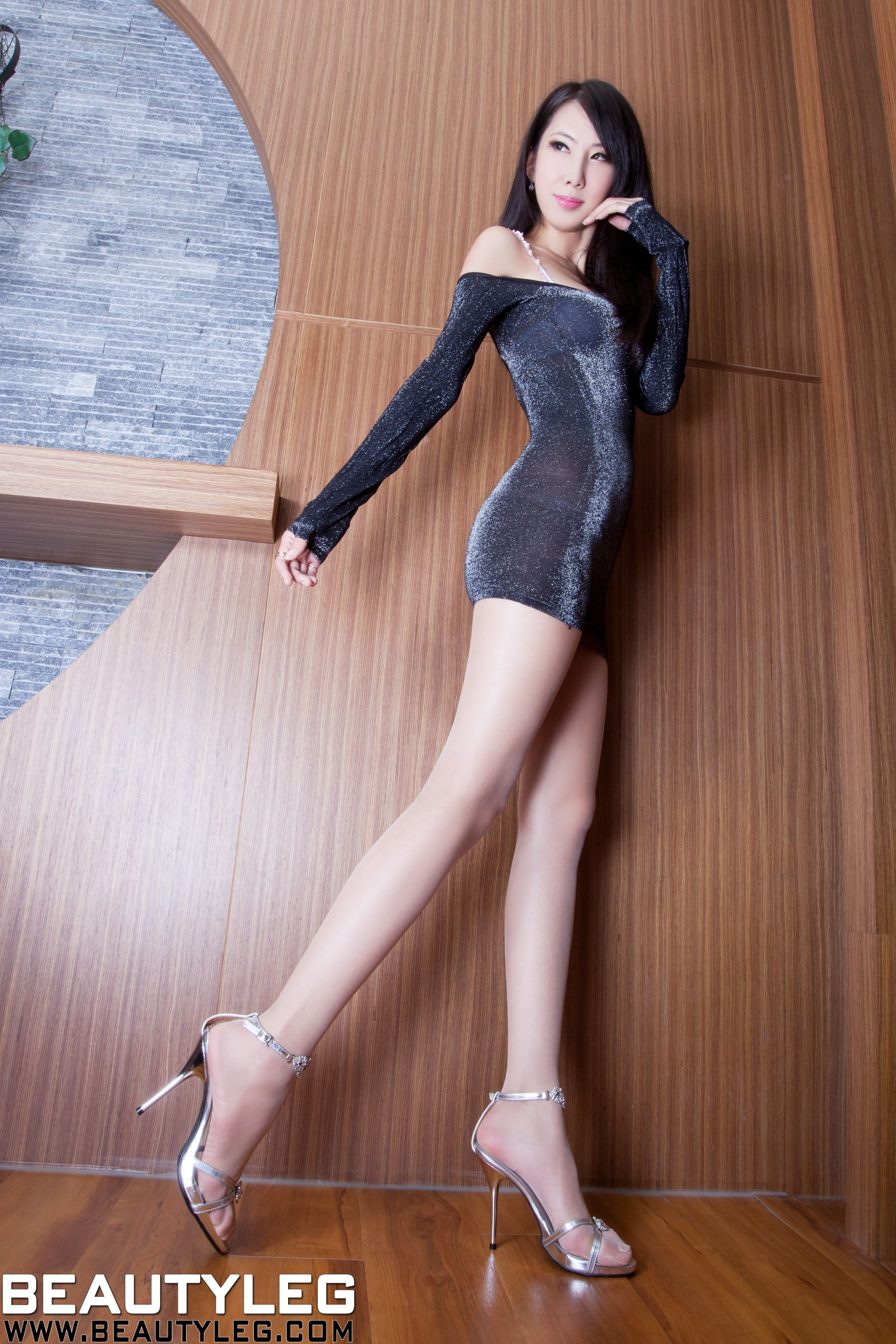 VOL.253 [Beautyleg]美腿高跟凉鞋:童采萱(Beautyleg Yoyo,腿模Yoyo)高品质写真套图(49P)