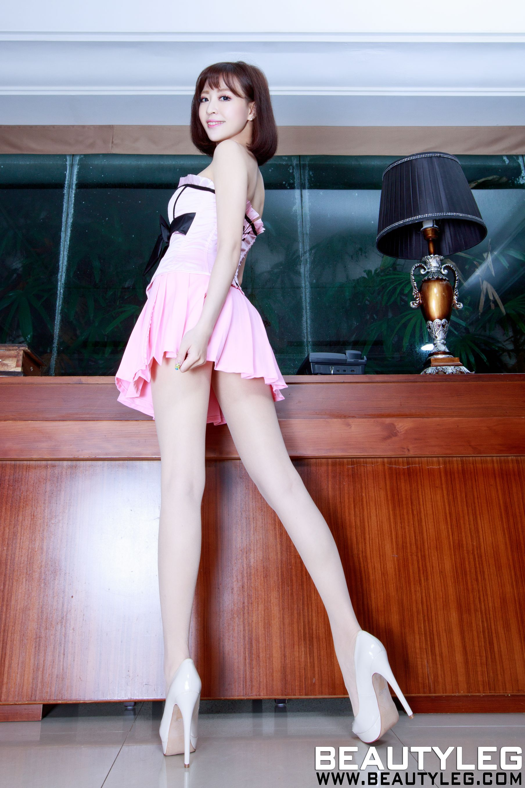 VOL.1596 [Beautyleg]短发美腿甜美:倪千凌(腿模Lucy,陈佳筠)高品质写真套图(50P)
