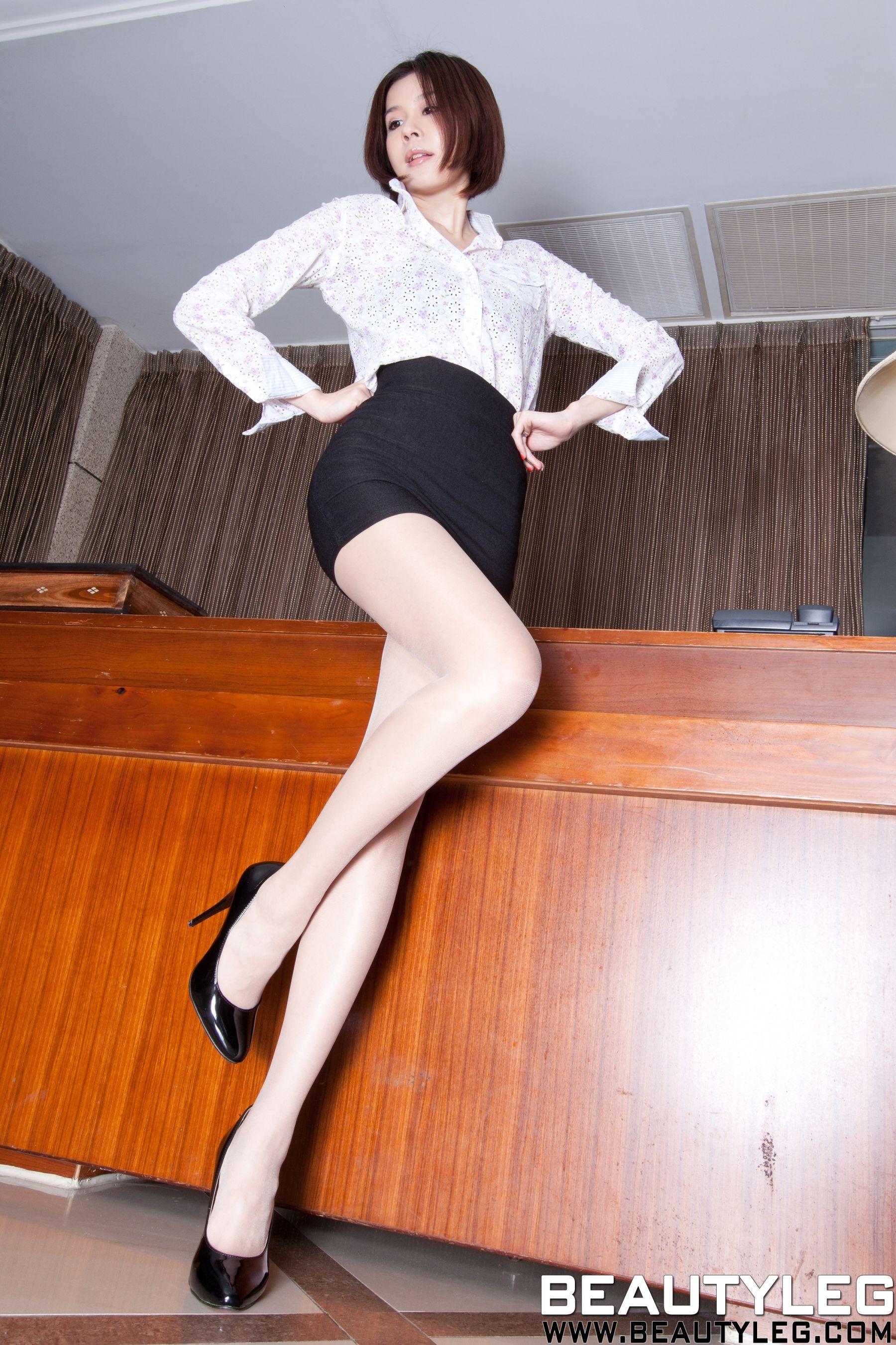 VOL.21 [Beautyleg]短发高跟美腿:腿模Sarah高品质写真套图(70P)