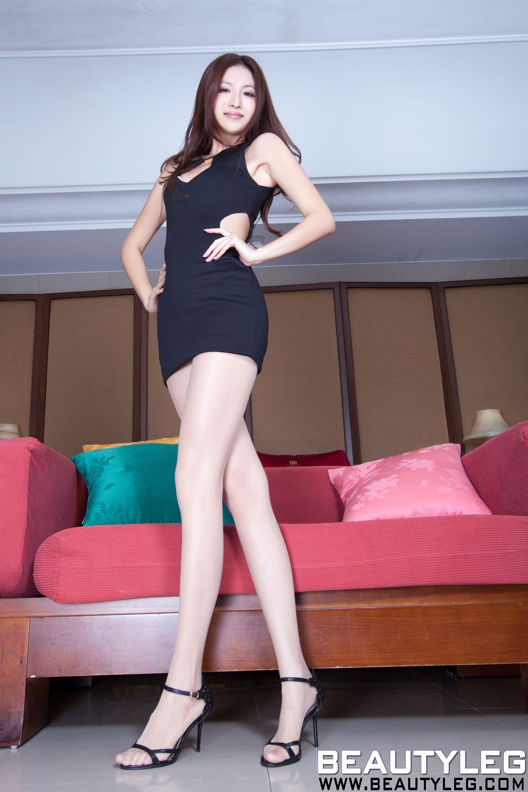 VOL.566 [Beautyleg]美腿:简晓育(腿模Vicni,晓育儿)高品质写真套图(69P)