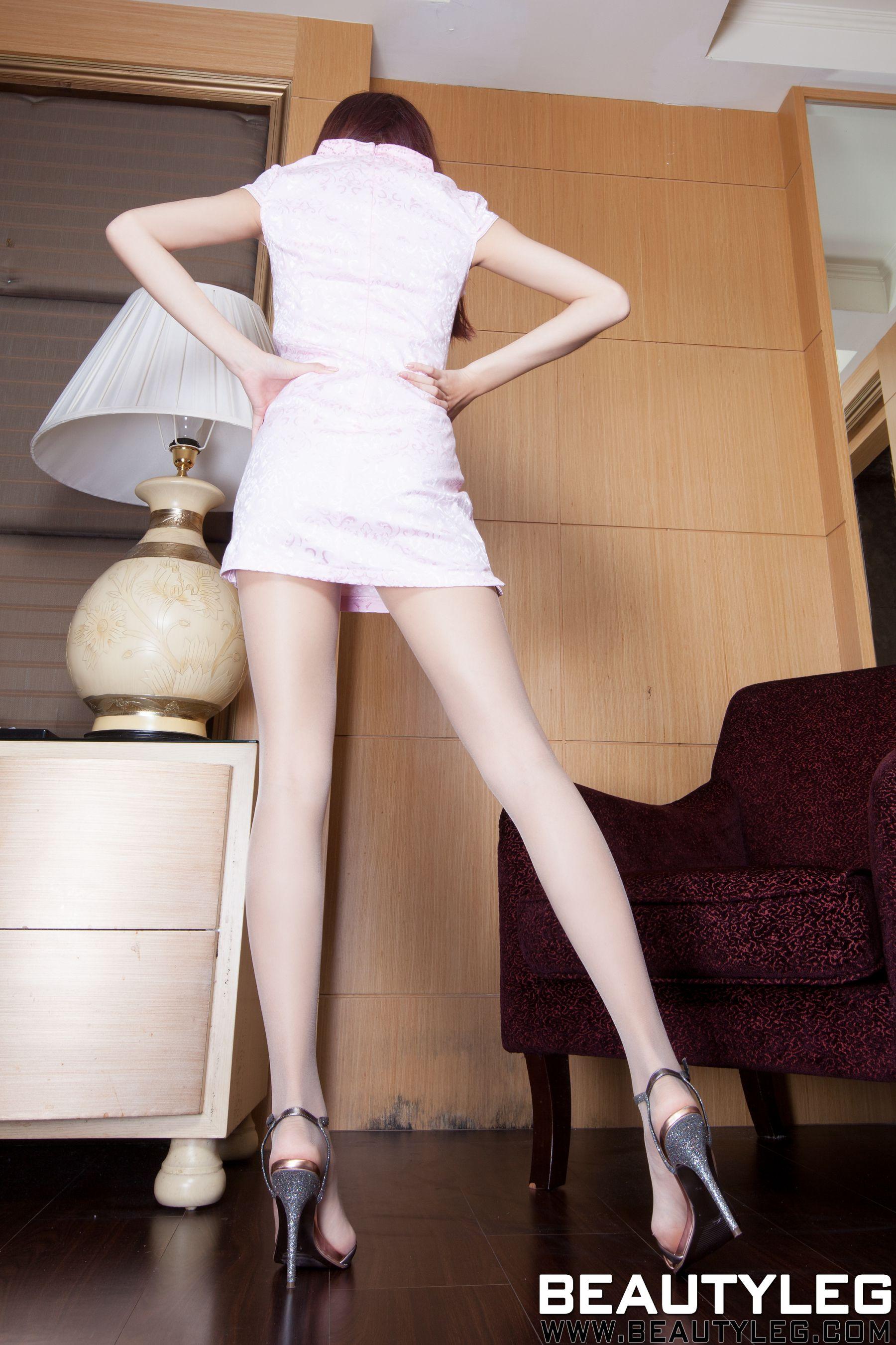 VOL.235 [Beautyleg]美腿肉丝袜:腿模Minna高品质写真套图(44P)