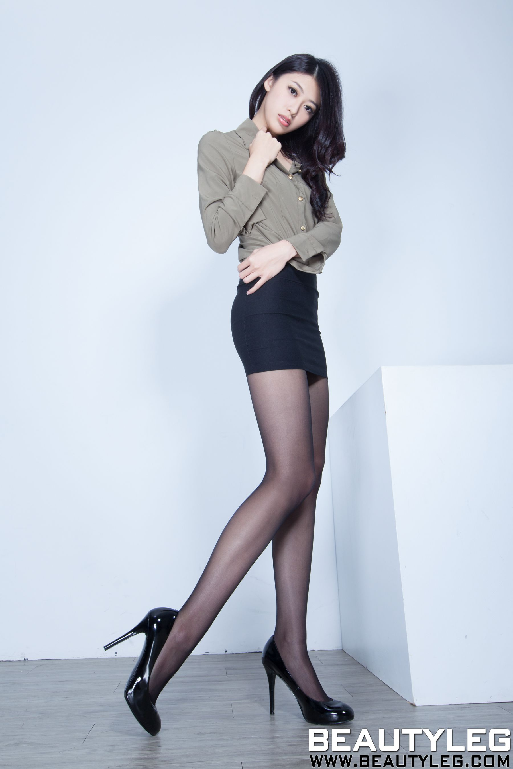 VOL.1361 [Beautyleg]高跟凉鞋长腿美女:蔡茵茵(腿模Flora)高品质写真套图(53P)