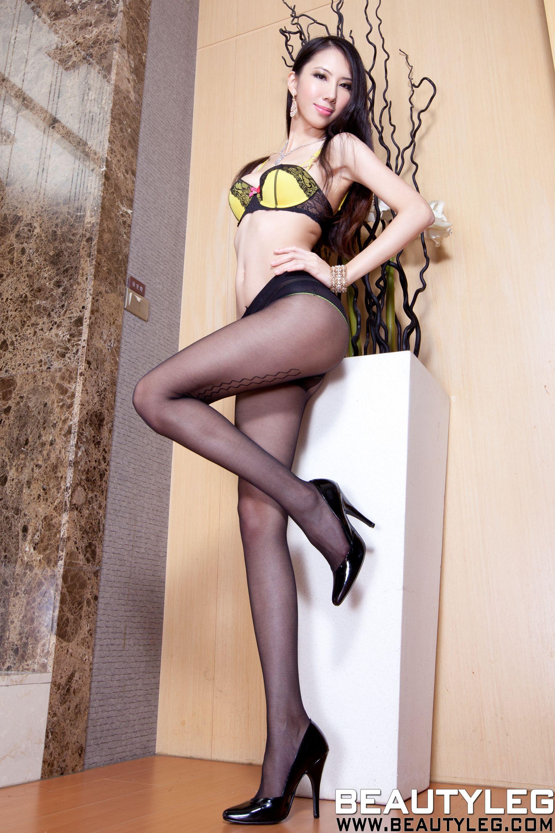VOL.580 [Beautyleg]美腿黑丝内衣美女:童采萱(Beautyleg Yoyo,腿模Yoyo)高品质写真套图(47P)