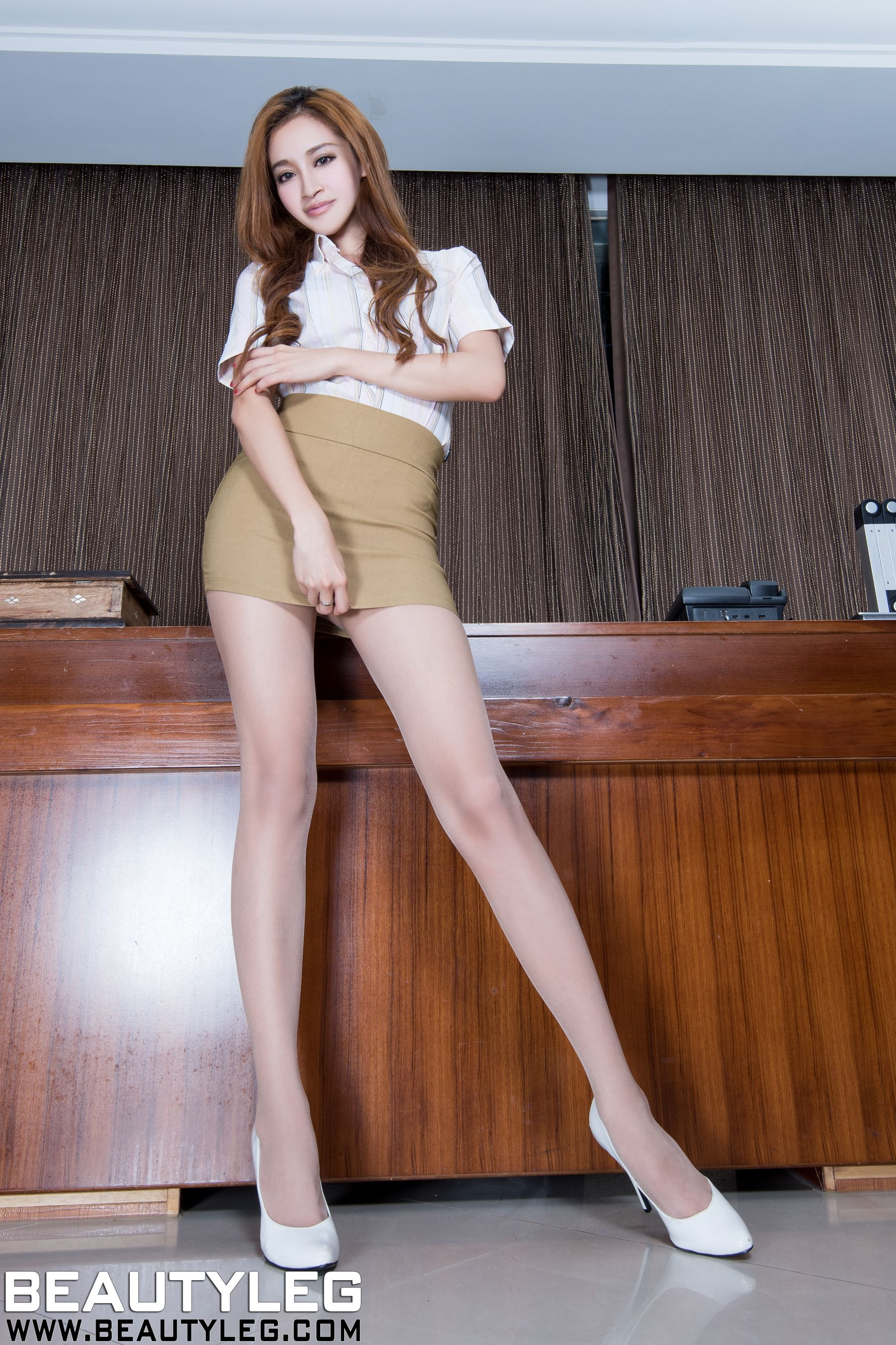 VOL.909 [Beautyleg]高跟美腿:詹艾葳(腿模Avril,腿模Arvil)高品质写真套图(59P)