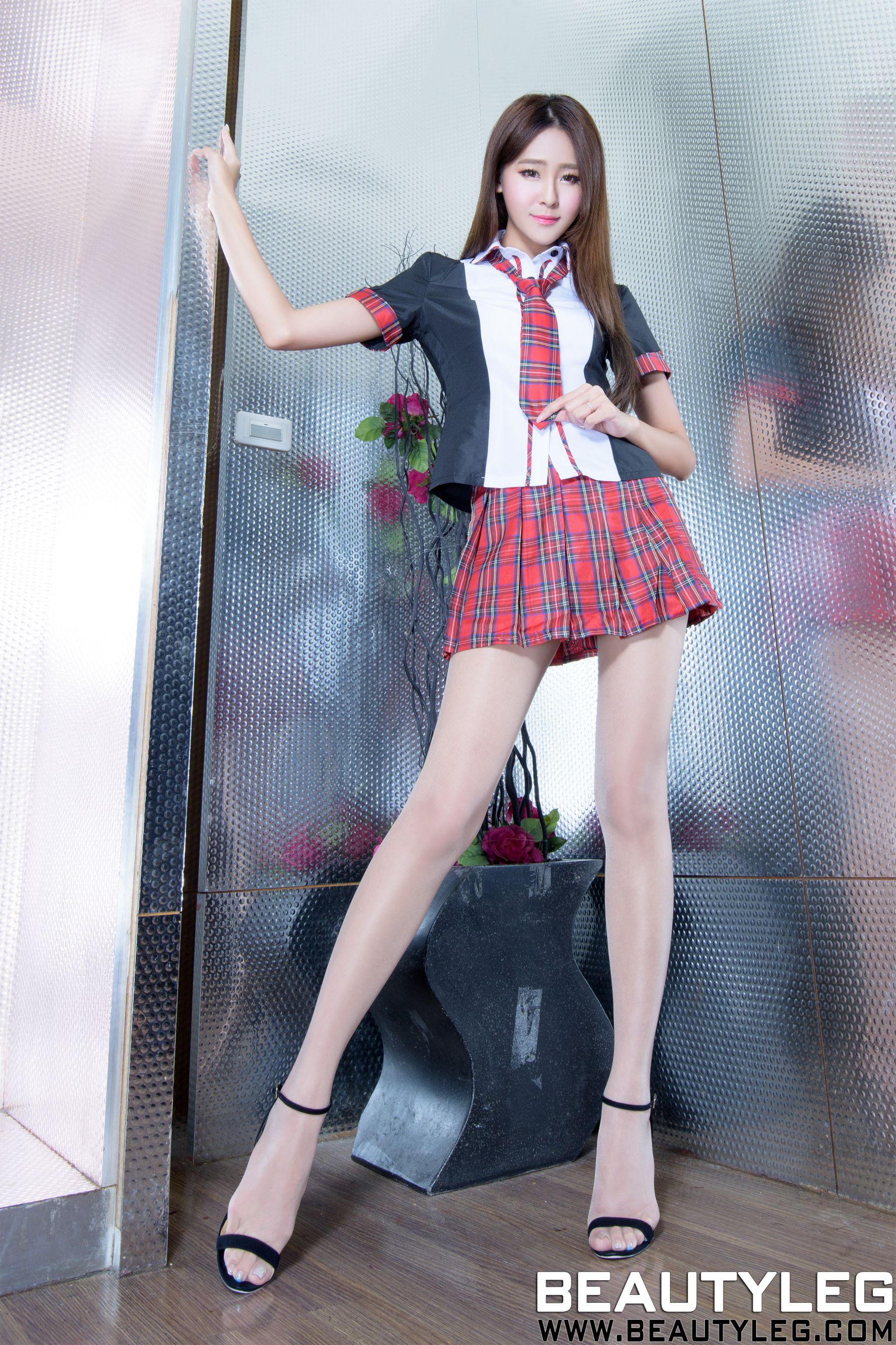 VOL.372 [Beautyleg]美腿长腿美女:Winnie小雪(庄咏惠,庄温妮,腿模Winnie)高品质写真套图(38P)