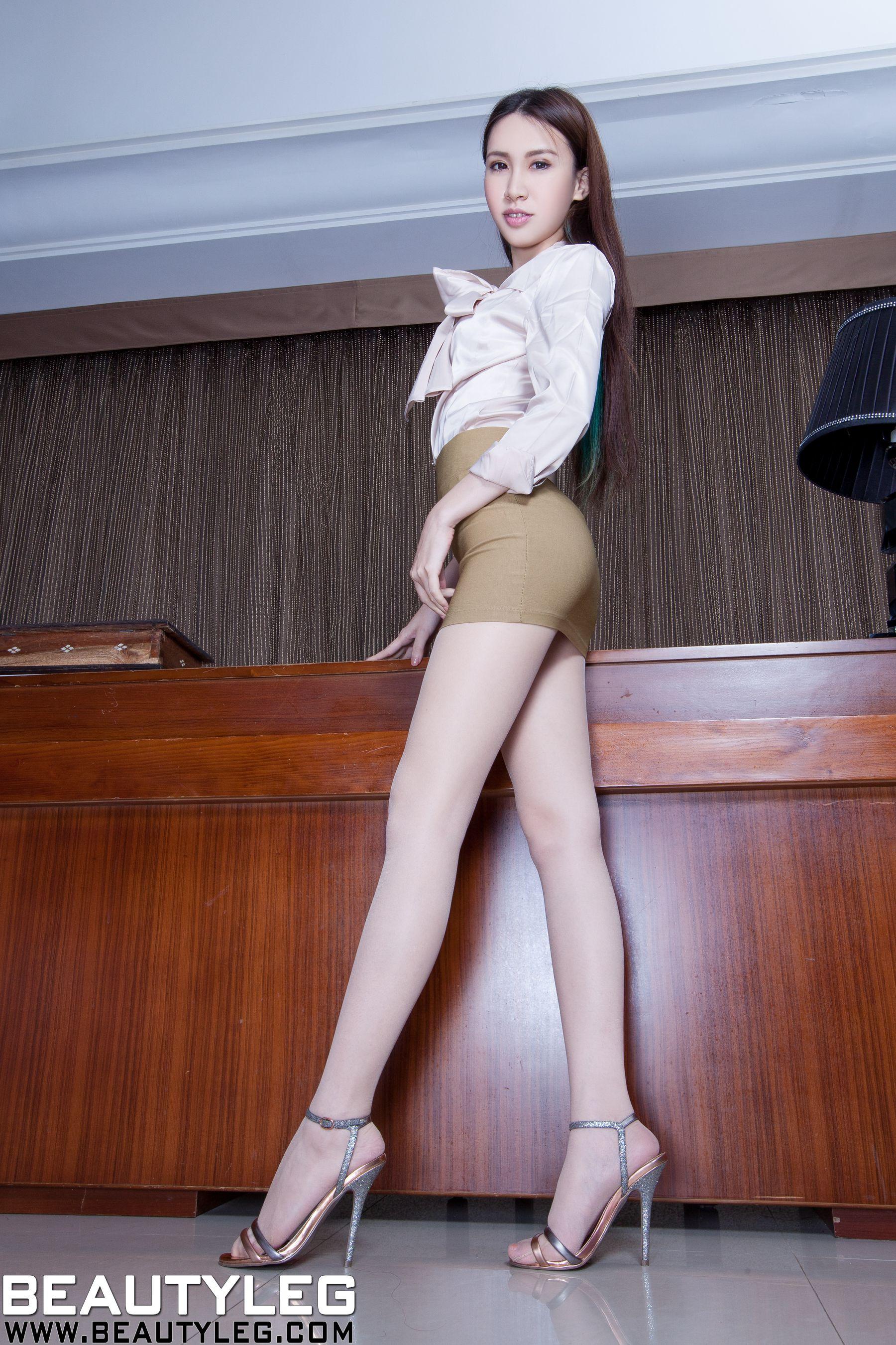 VOL.645 [Beautyleg]美腿吊带丝袜:崔多朵(崔德蓉,腿模Stephy)高品质写真套图(60P)