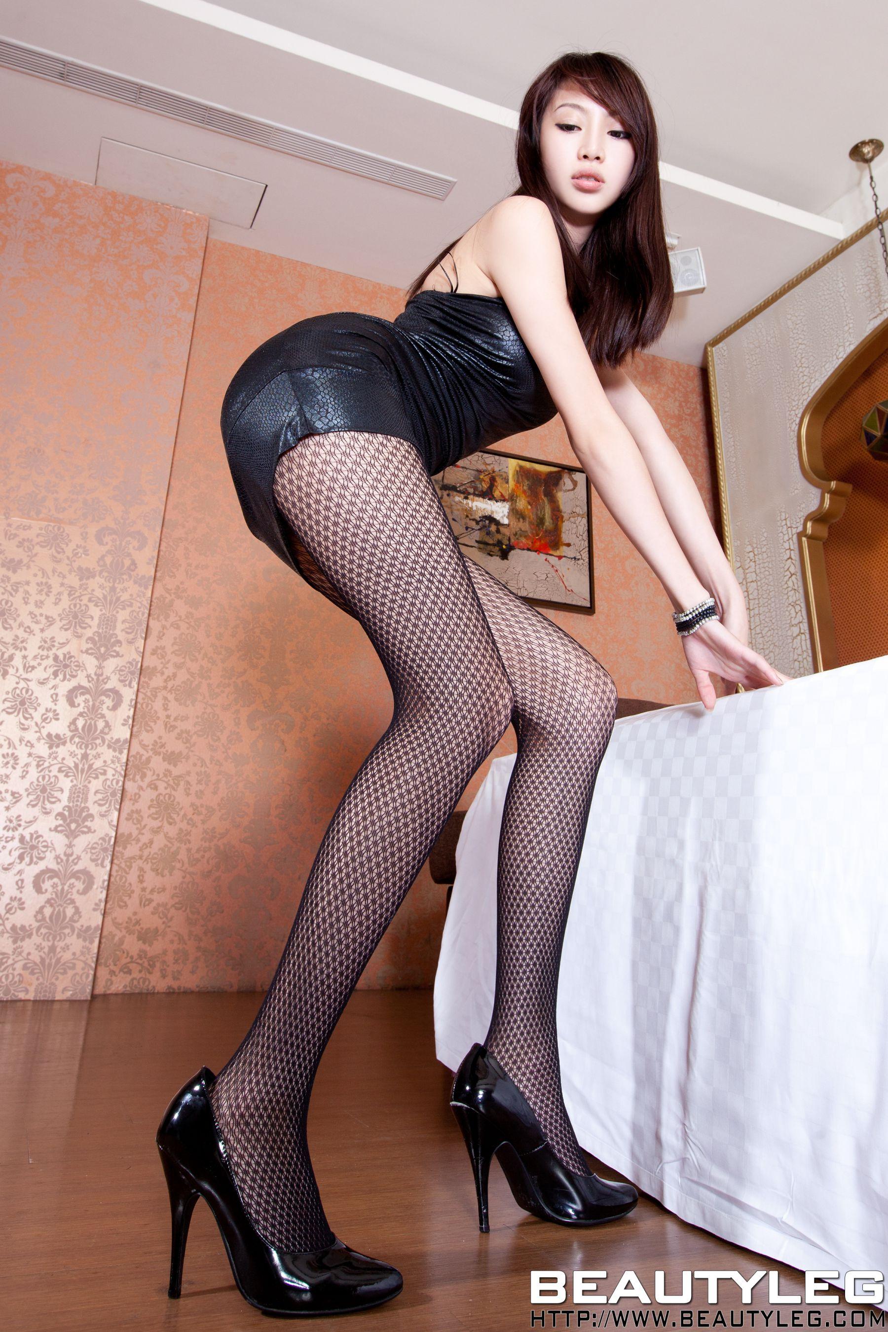 VOL.141 [Beautyleg]美腿:腿模Luffy高品质写真套图(77P)