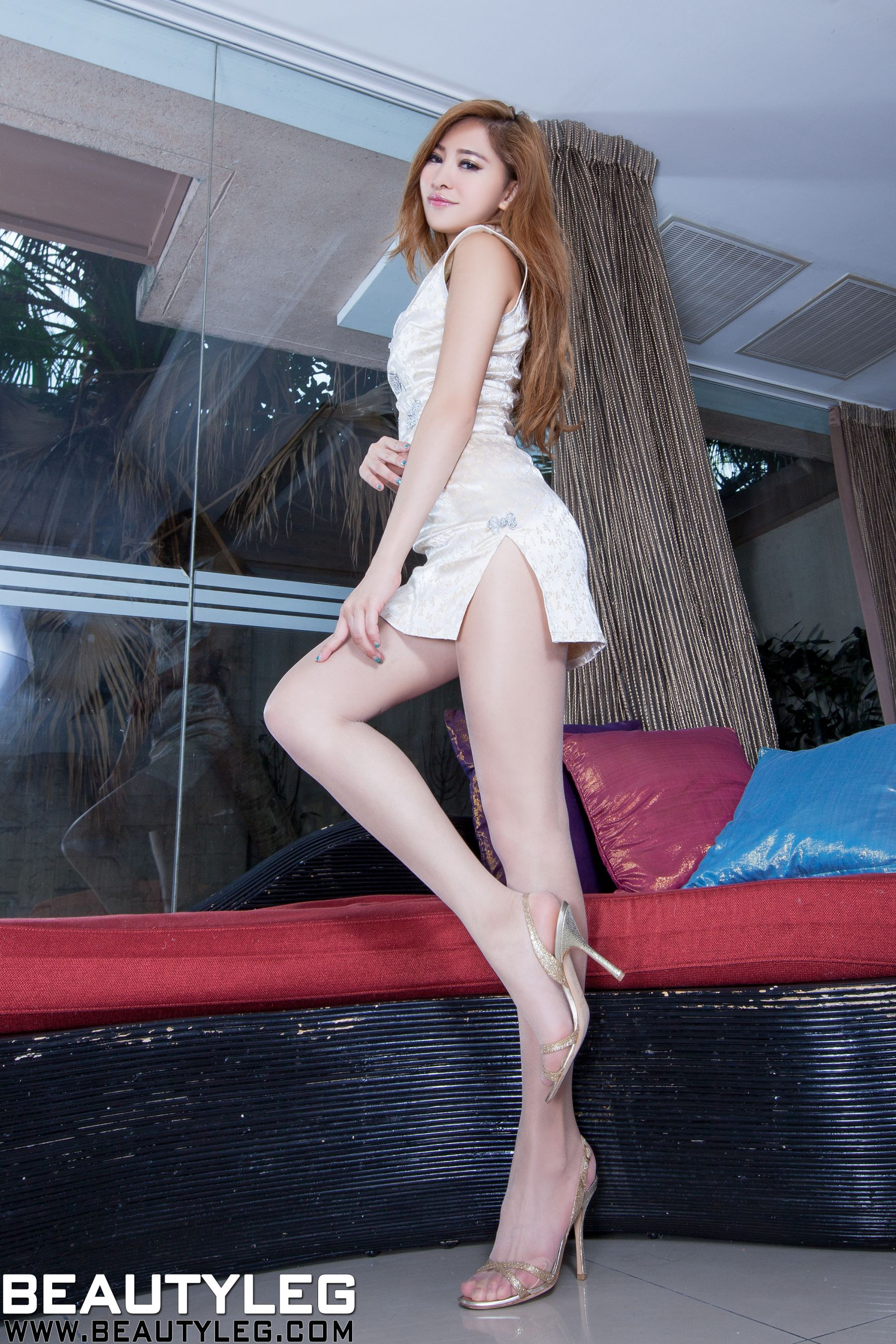 VOL.919 [Beautyleg]美腿旗袍高跟凉鞋:林昱(腿模Lynn)高品质写真套图(70P)