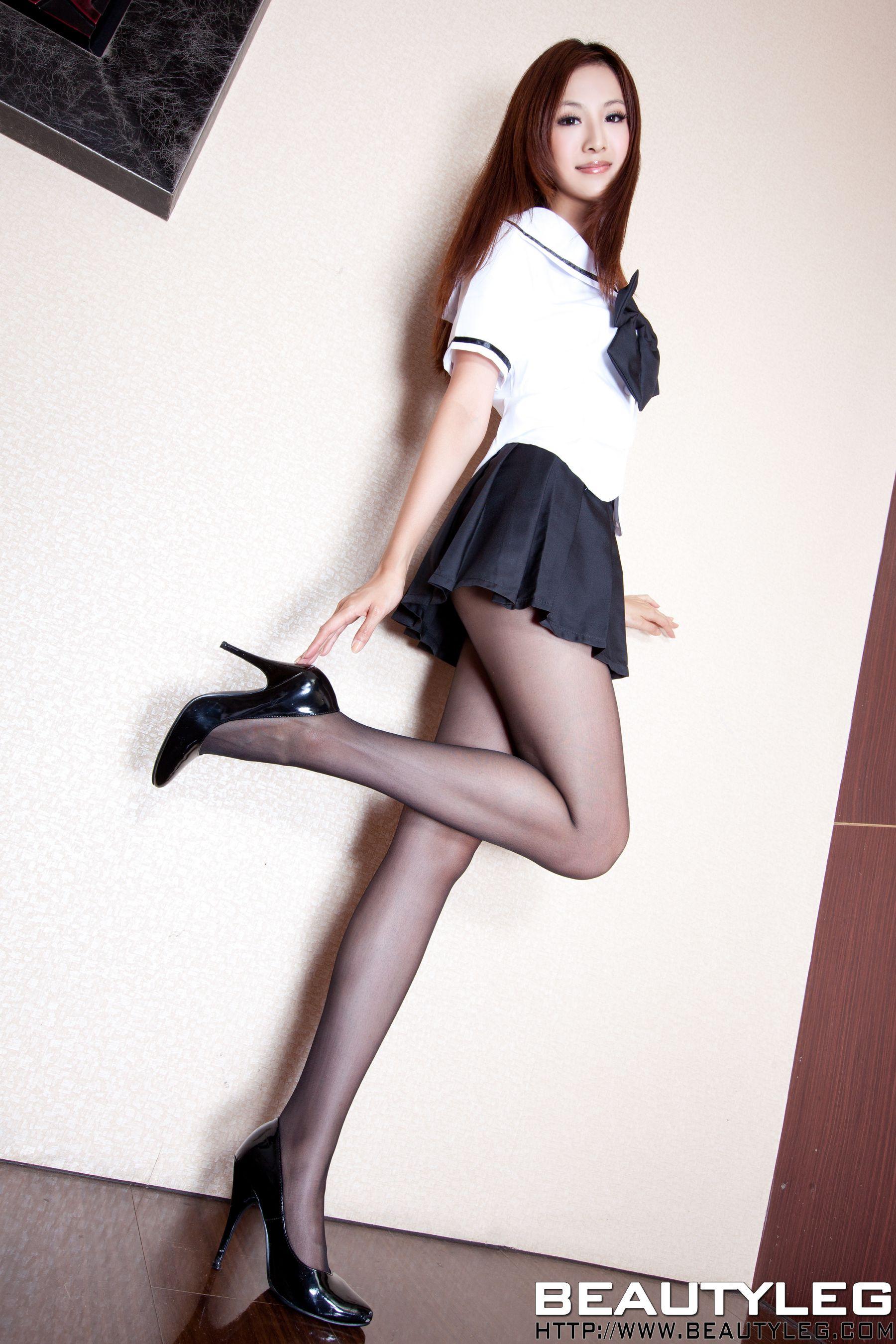 VOL.442 [Beautyleg]校服美腿黑丝:简晓育(腿模Vicni,晓育儿)高品质写真套图(45P)