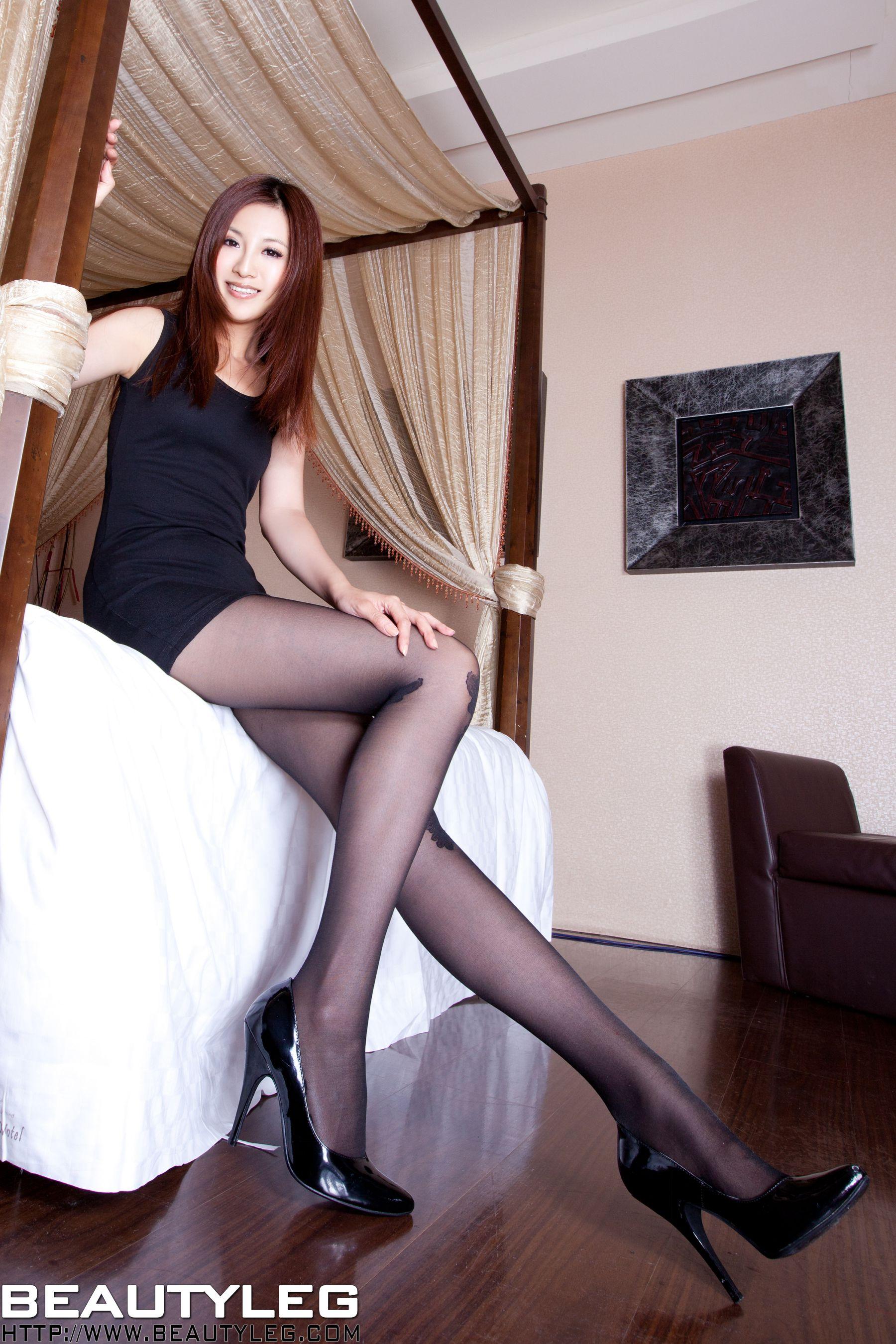 VOL.1701 [Beautyleg]美腿:简晓育(腿模Vicni,晓育儿)高品质写真套图(48P)