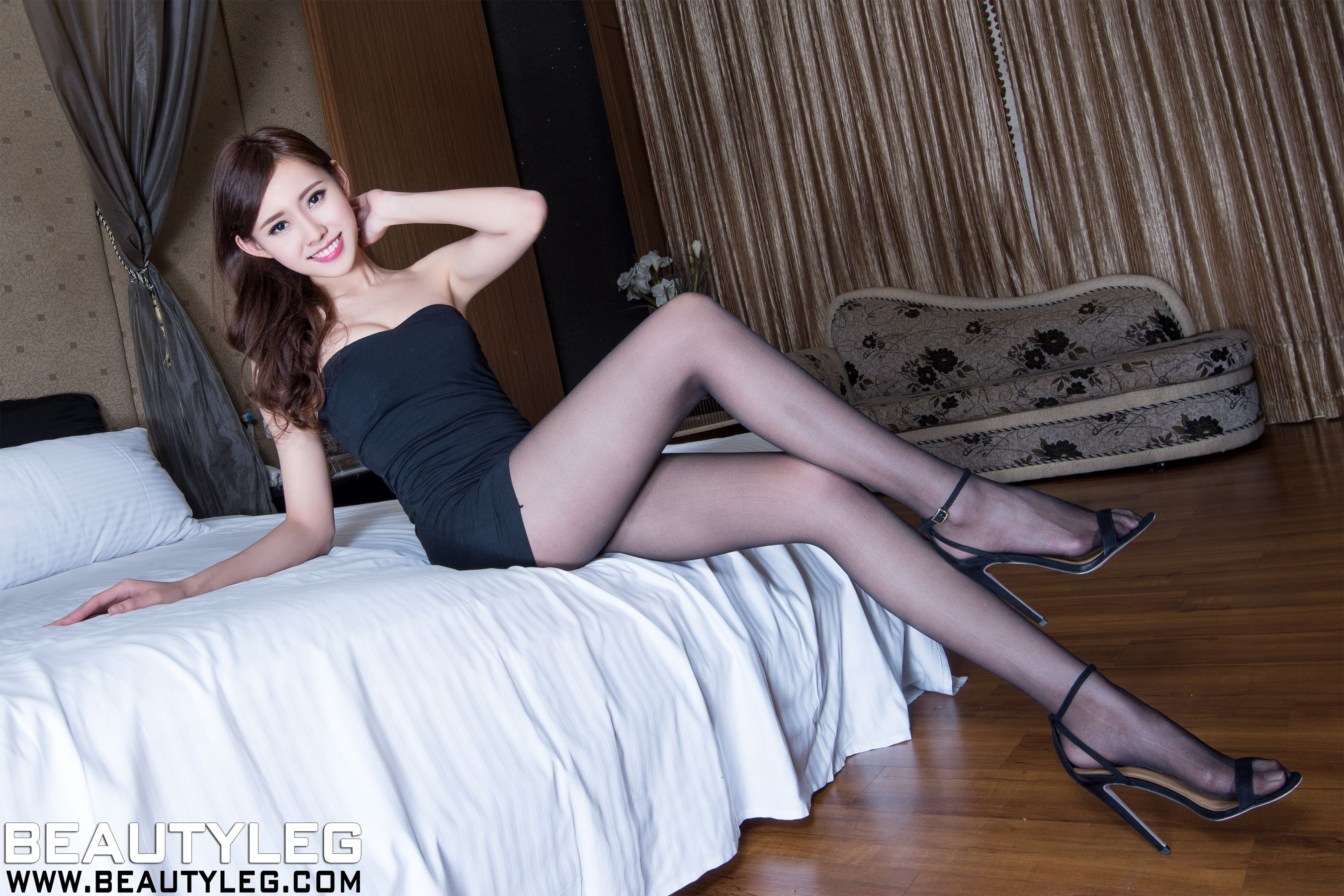 VOL.545 [Beautyleg]丝袜美腿丝袜女郎:郭珉妏(腿模Queenie)高品质写真套图(42P)