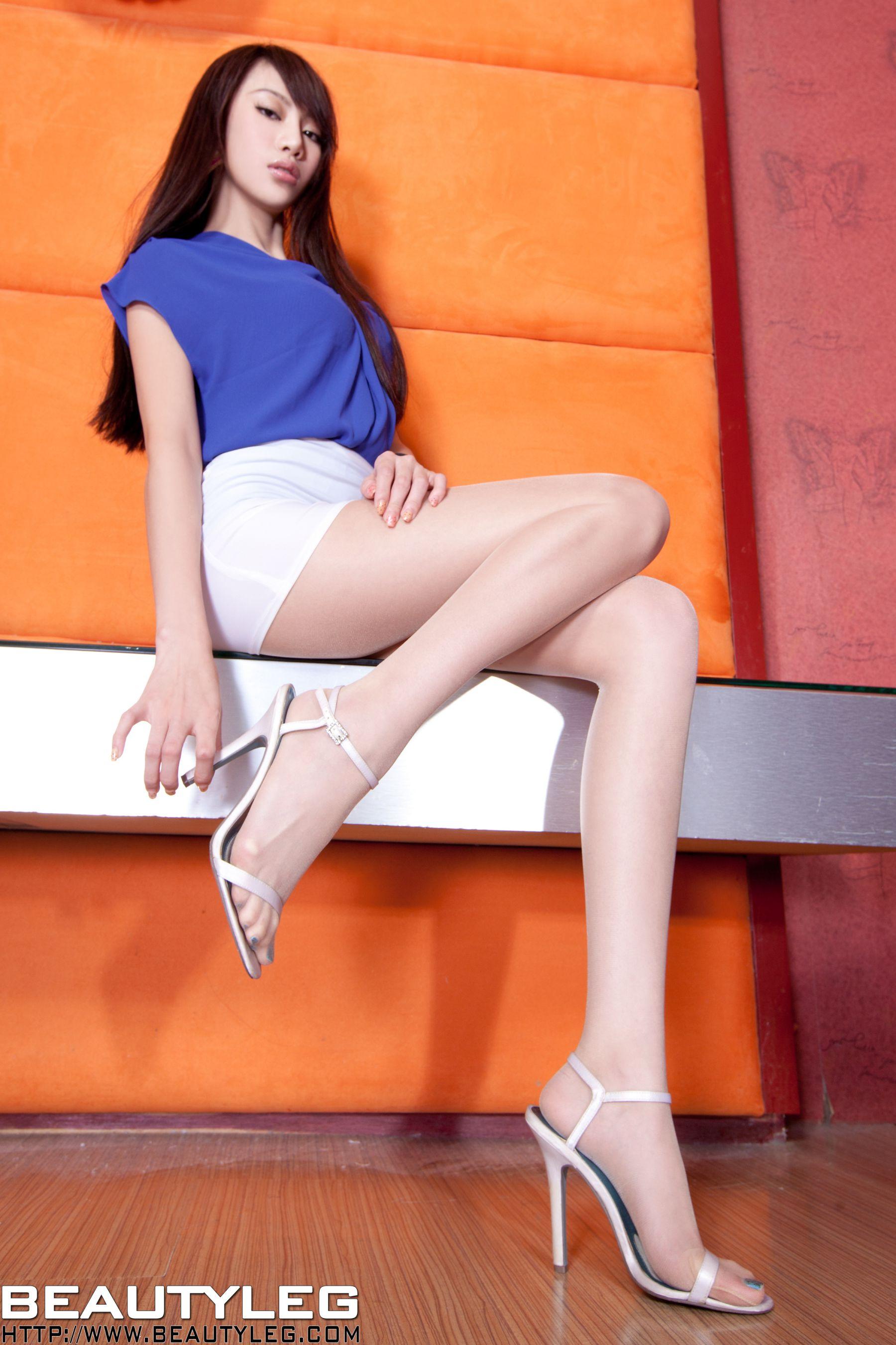 VOL.1558 [Beautyleg]美腿:腿模Luffy高品质写真套图(46P)
