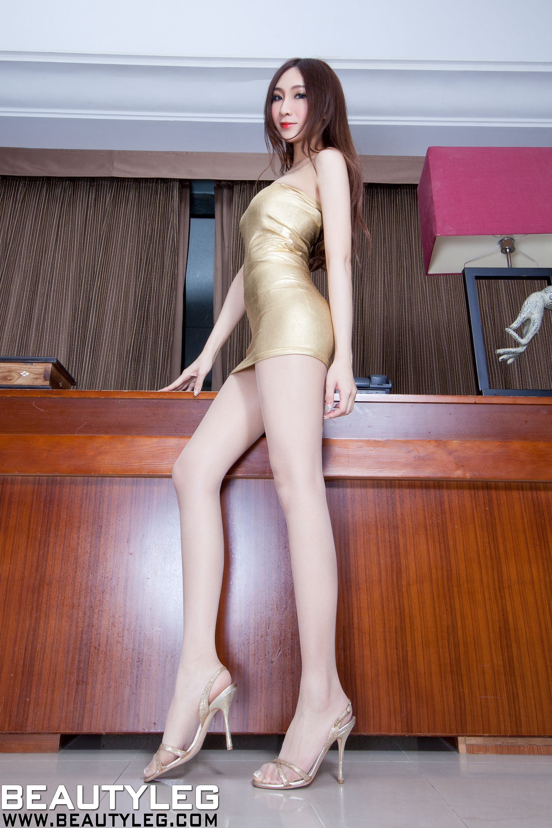 VOL.1512 [Beautyleg]美腿情趣丝袜网衣:吴美希(腿模Miki)高品质写真套图(79P)