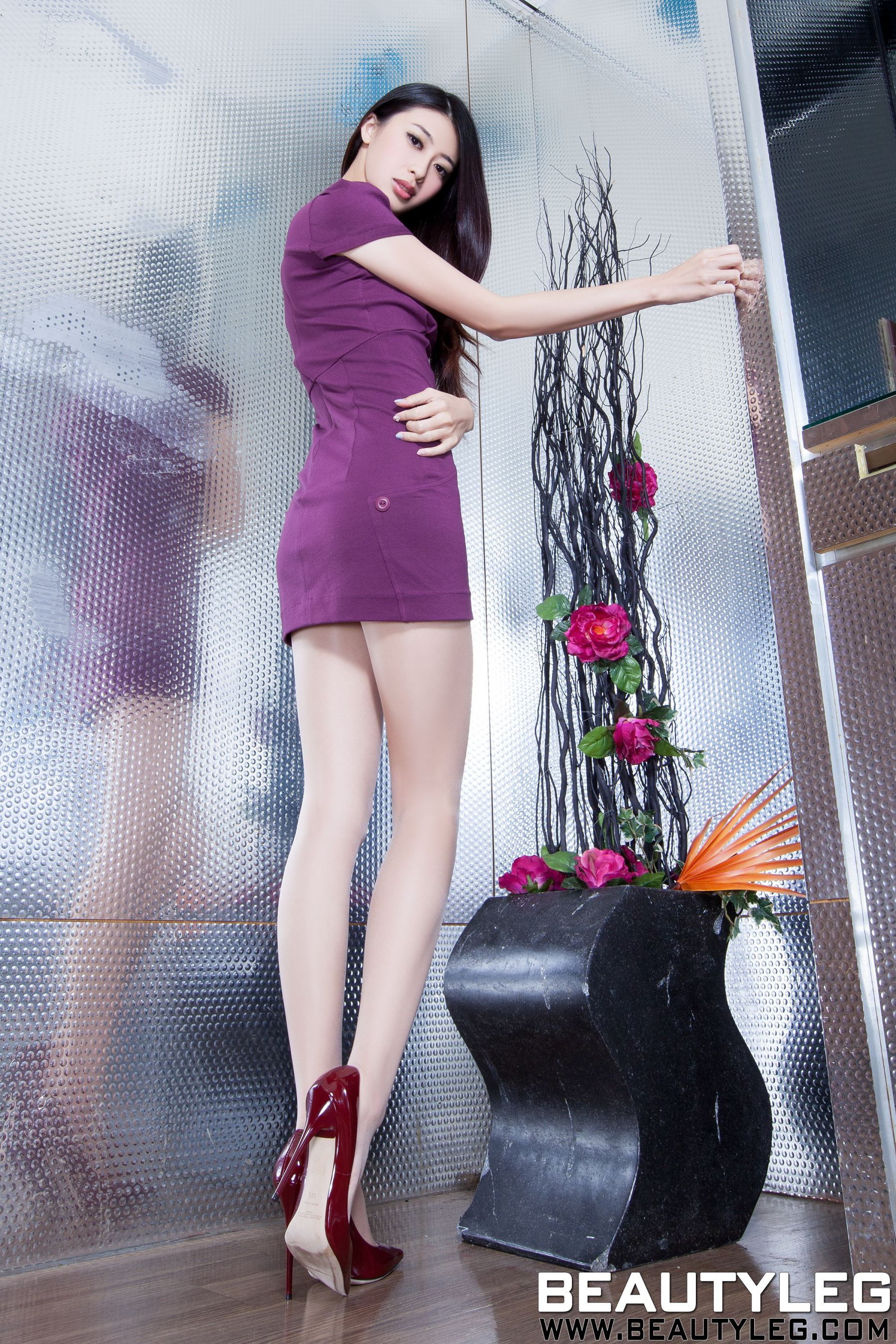 VOL.946 [Beautyleg]高跟美腿:蔡茵茵(腿模Flora)高品质写真套图(53P)