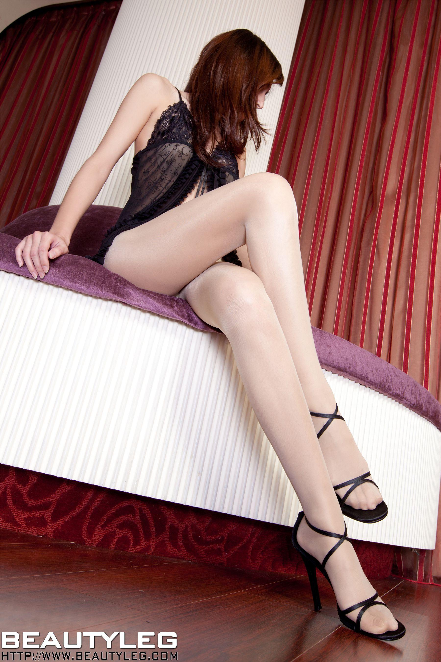 VOL.1458 [Beautyleg]美腿丁字裤高跟高跟凉鞋:黄苇萱(Beautyleg腿模Sunny)高品质写真套图(44P)