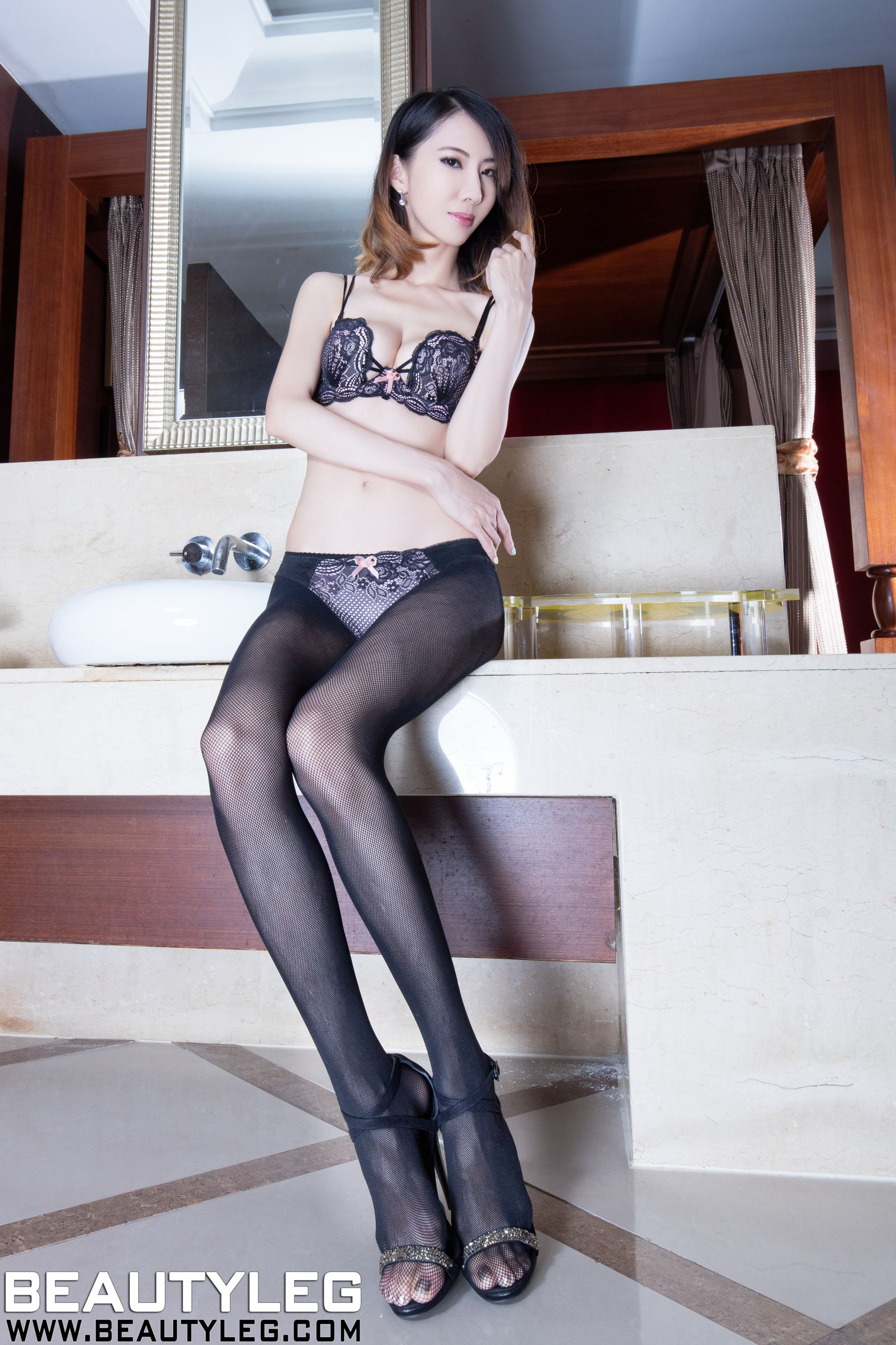 VOL.1116 [Beautyleg]高跟美腿:童采萱(Beautyleg Yoyo,腿模Yoyo)高品质写真套图(36P)