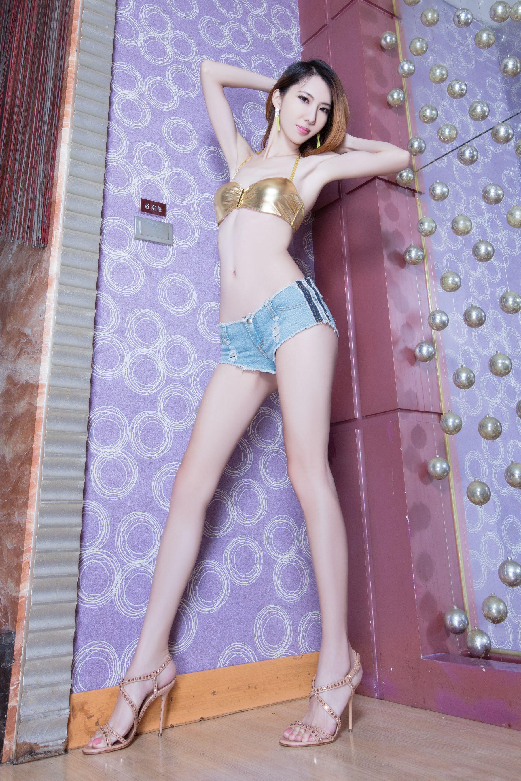 VOL.642 [Beautyleg]美腿吊带丝袜D罩杯美女:童采萱(Beautyleg Yoyo,腿模Yoyo)高品质写真套图(50P)