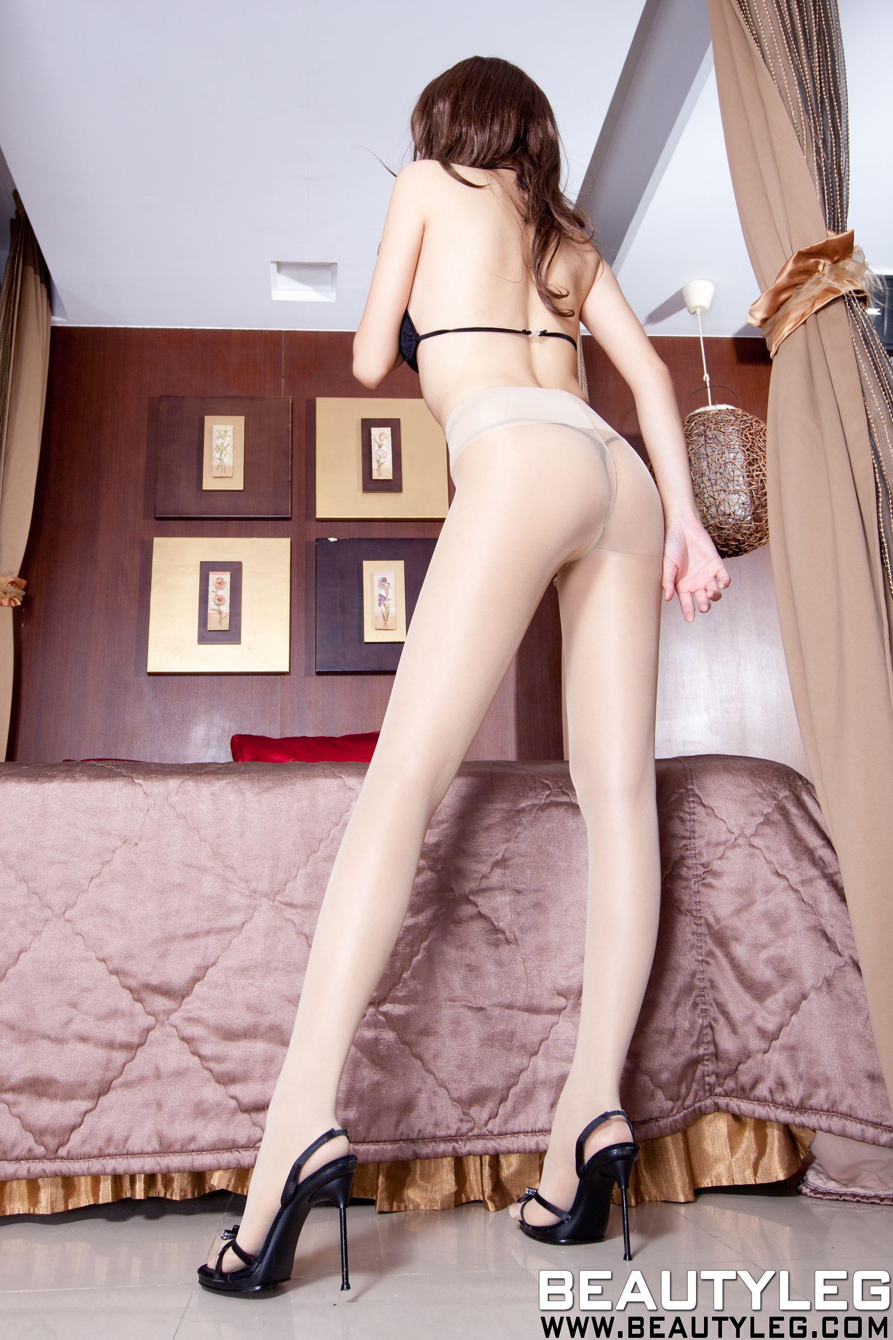 VOL.1319 [Beautyleg]丁字裤丝袜美腿肉丝美腿:腿模Linda高品质写真套图(64P)