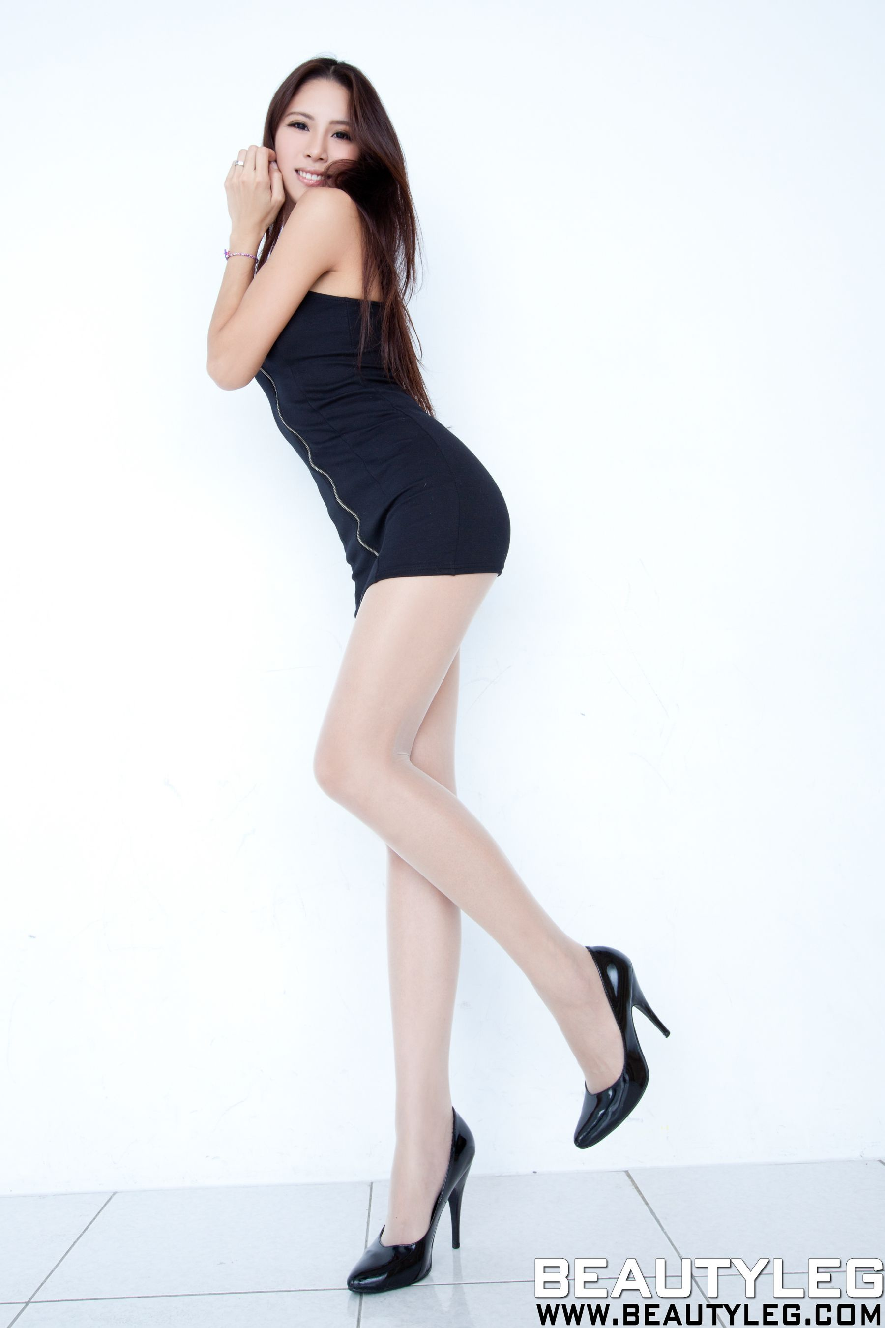 VOL.1712 [Beautyleg]美腿:腿模Lorraine高品质写真套图(40P)