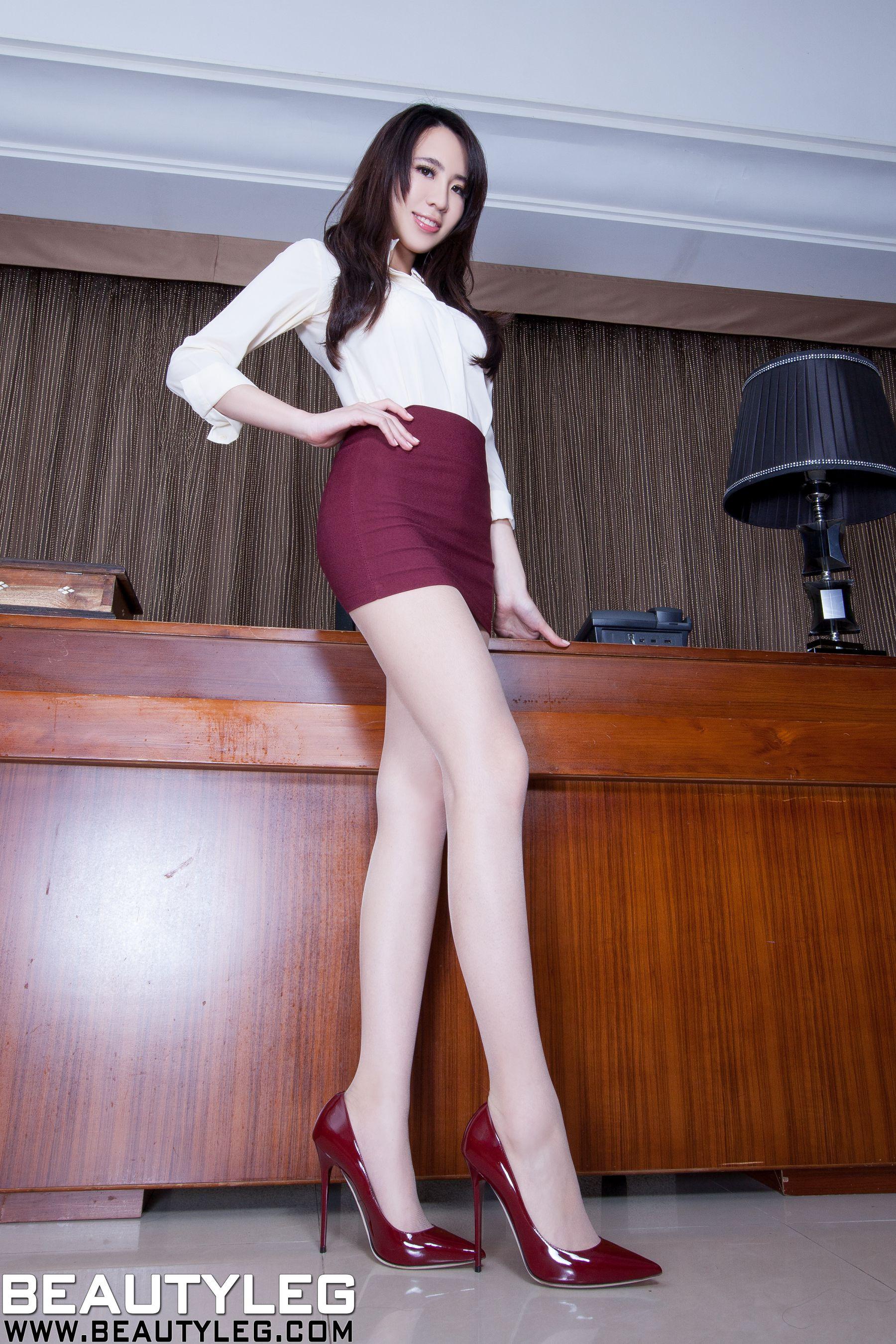 VOL.1792 [Beautyleg]办公室美腿:廖羽涵(腿模Alice)高品质写真套图(48P)
