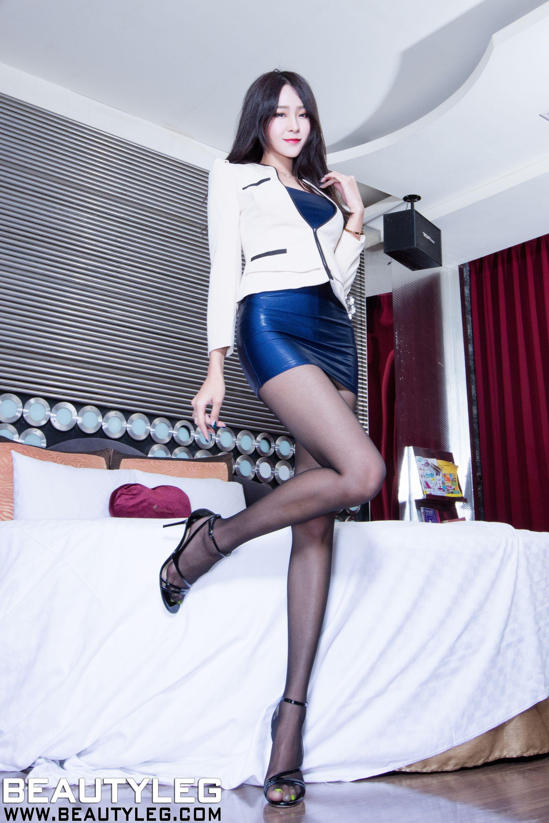 VOL.1941 [Beautyleg]丝袜美腿丝袜制服:Winnie小雪(庄咏惠,庄温妮,腿模Winnie)高品质写真套图(38P)